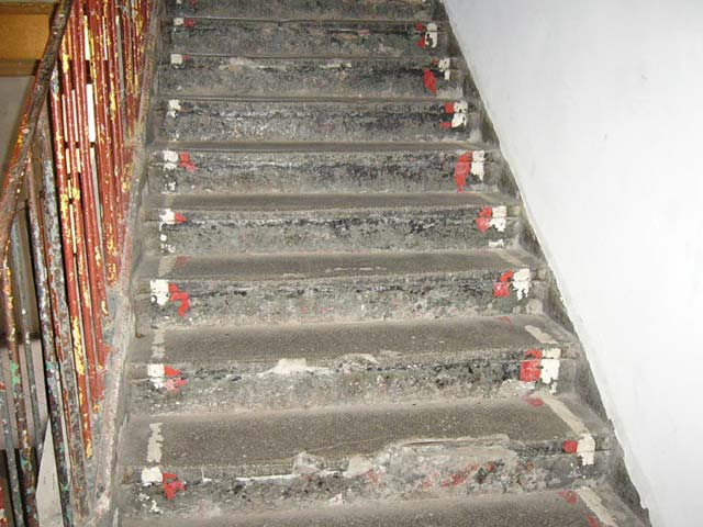 How to fix the steps in the stairwell